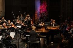 Das Klavierdio Lucas und Arthur Jussen mit dem MKO unter Clemens Schuldt © Florian Ganslmeier