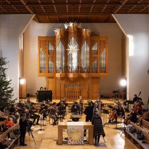 Das MKO mit Jörg Widmann in der Himmelfahrtskirche. Die Ton- und Videoaufnahmen gibt's ganz bald hier zu hören und zu sehen Foto: Florian Ganslmeier