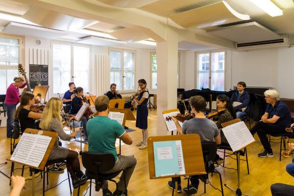 Junge Musiker mitten im MKO